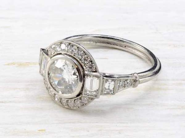bague solitaire diamants art deco