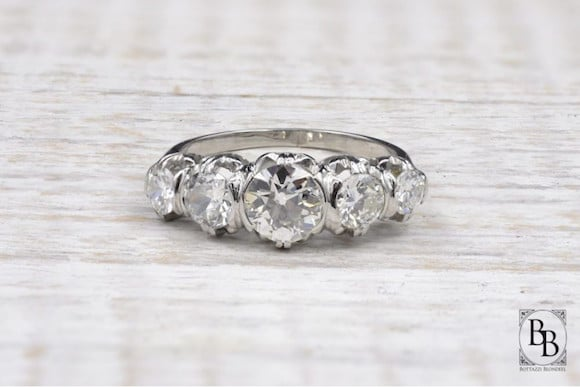Bague jarretiere diamants