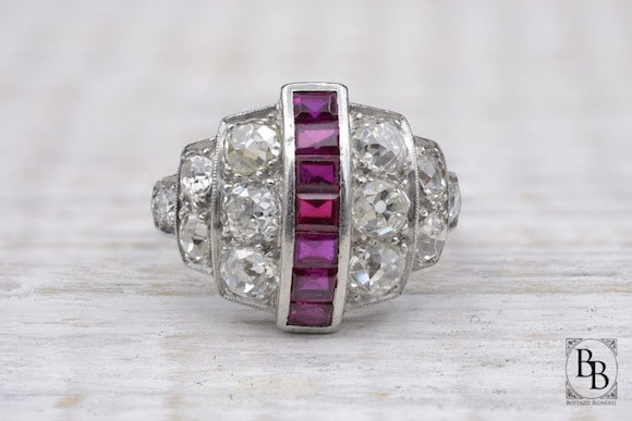 Bague Art Deco rubis diamants