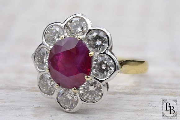 Bague marguerite rubis diamants