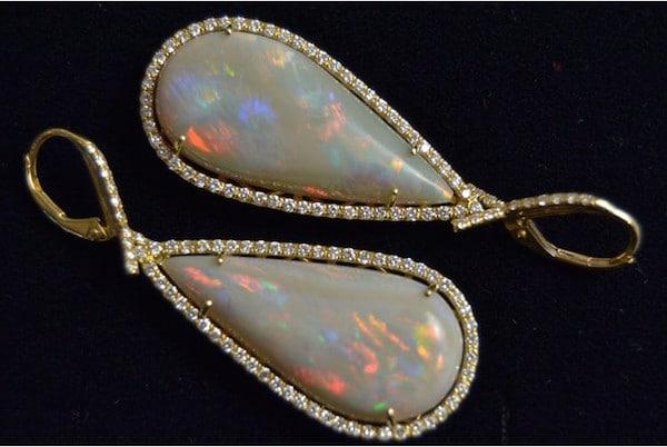 Boucles d'oreilles d'occasion opales d'Australie de belle qualité