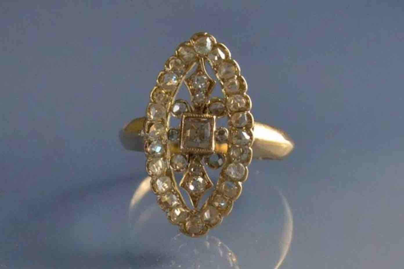 Bague 19eme sertie de diamant
