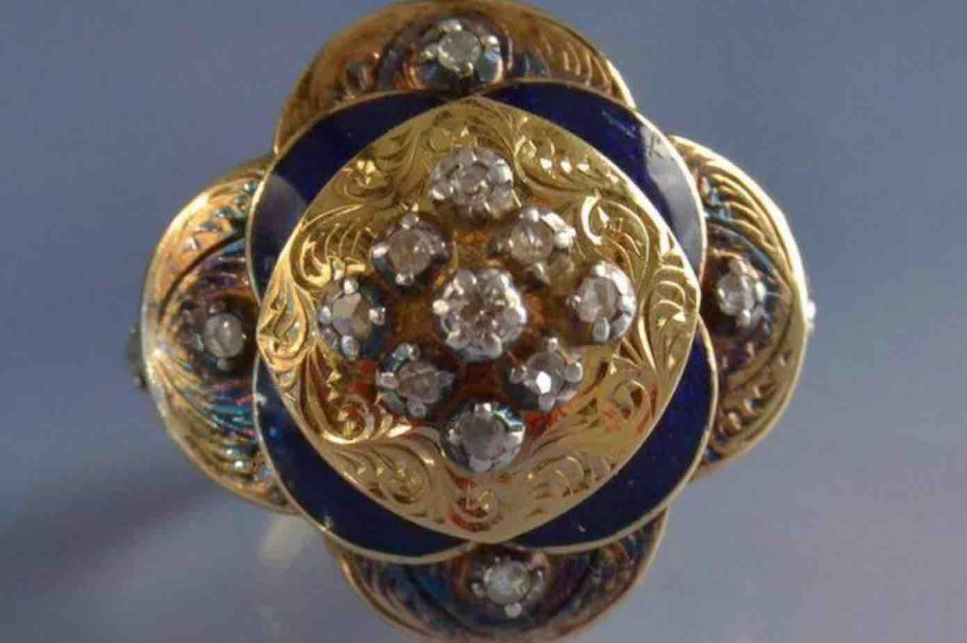 Bague XIXeme or émail et diamants