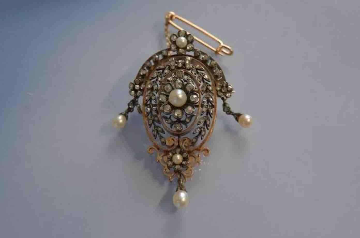 revendre Broche XIXeme perles fines et diamants