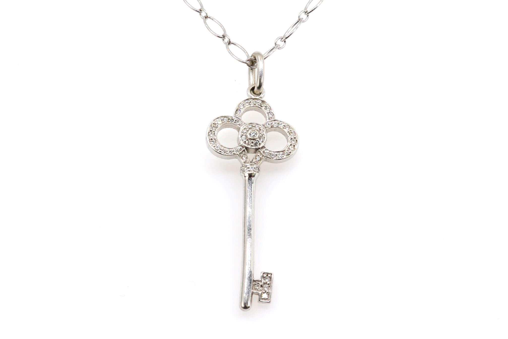 Collier Tiffany & Co pendentif clé signé