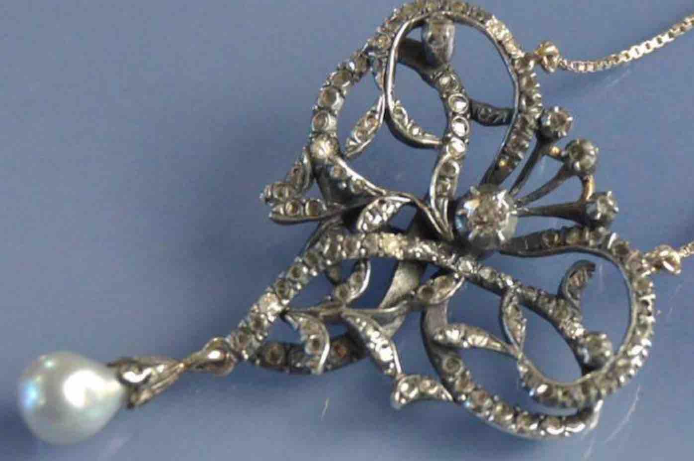 rachat collier pendentif 19e