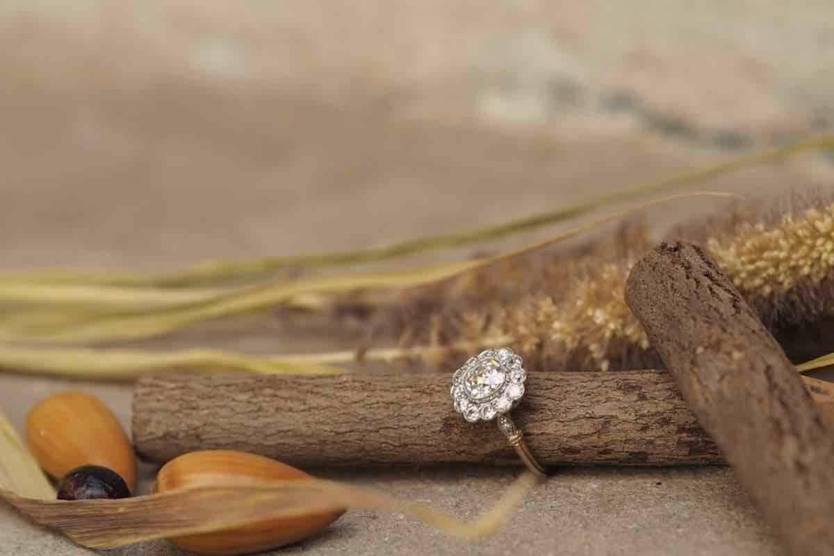 bijou sertie de diamants