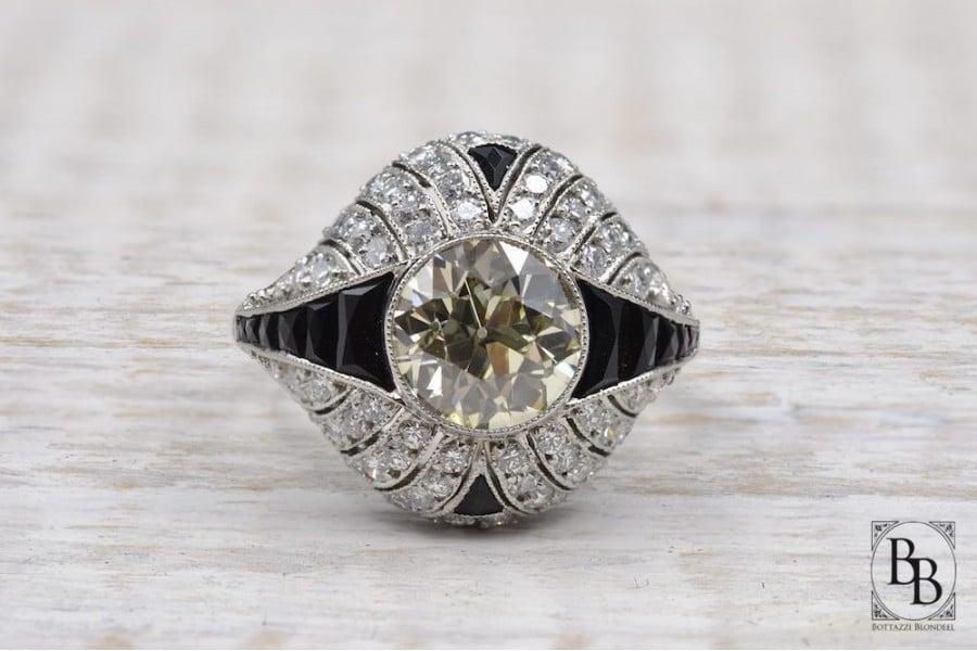 bague de fiançailles diamants et diamant central
