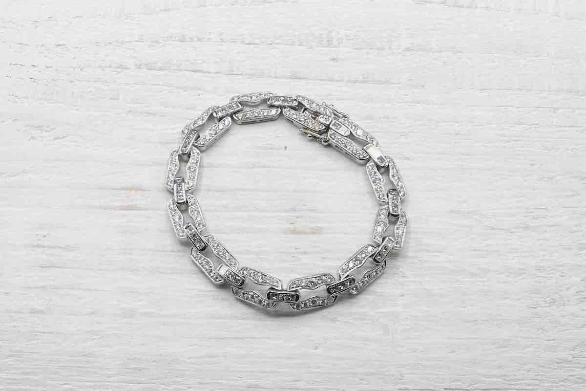 bracelet serti de diamants