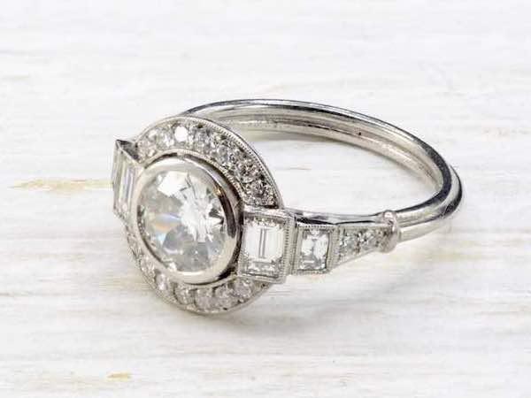 bague solitaire diamants art deco