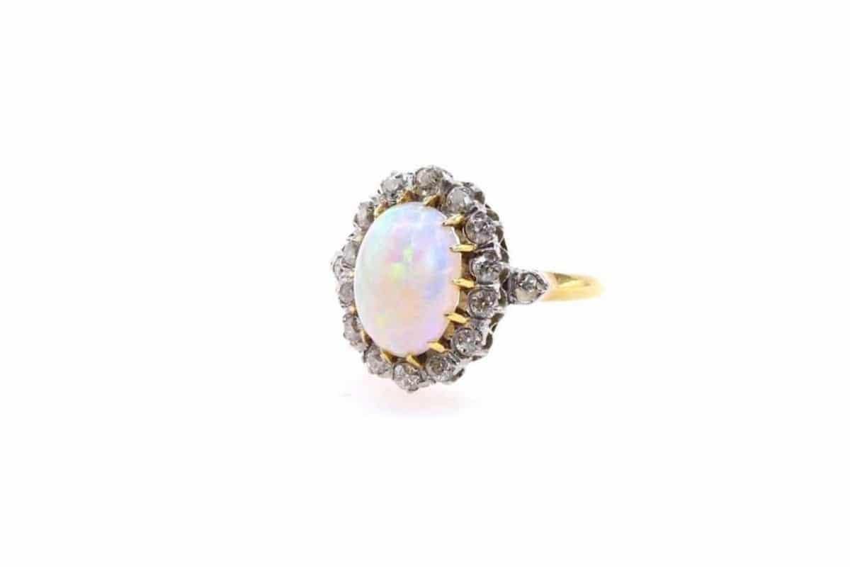 bague opale diamants anciens