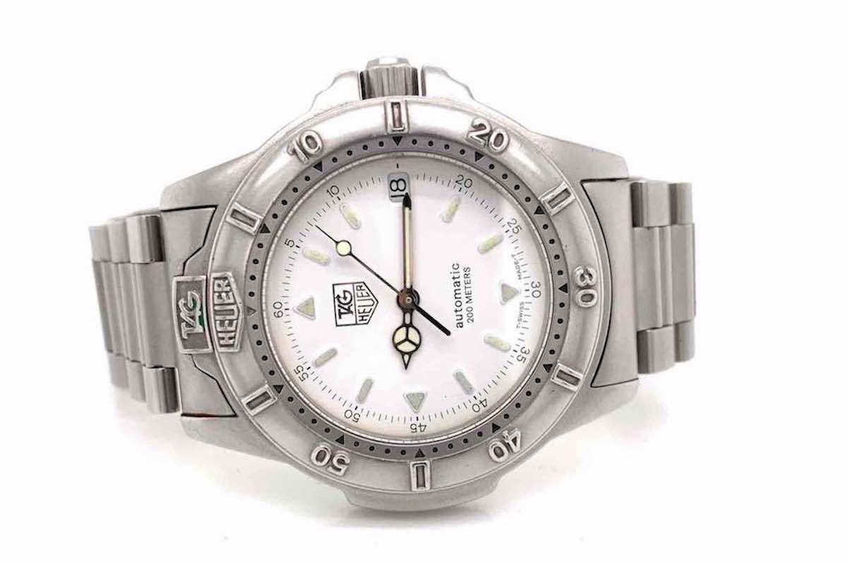 beau montre en vente