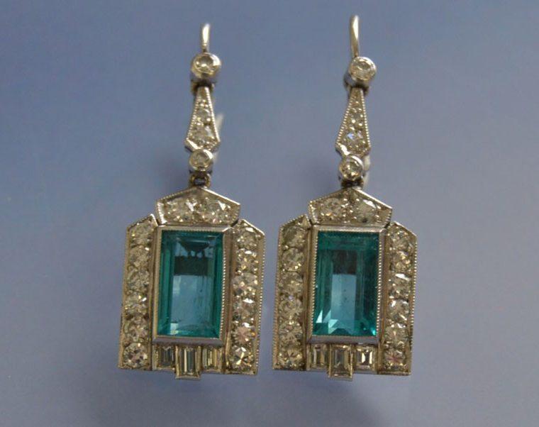 Boucles d'oreilles Art déco émeraudes diamants