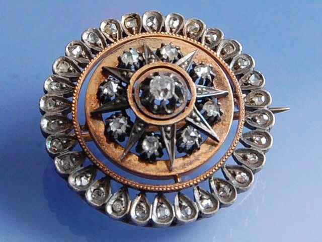 Broche 19ème diamants en or rose et argent