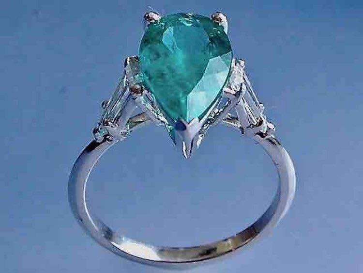 Bague émeraude diamants en or blanc 18k