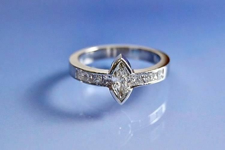 Bague diamants marquise et princesse