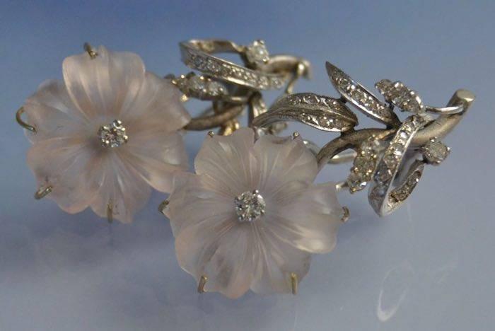 Boucles d'oreilles cristal de roche, or et diamants