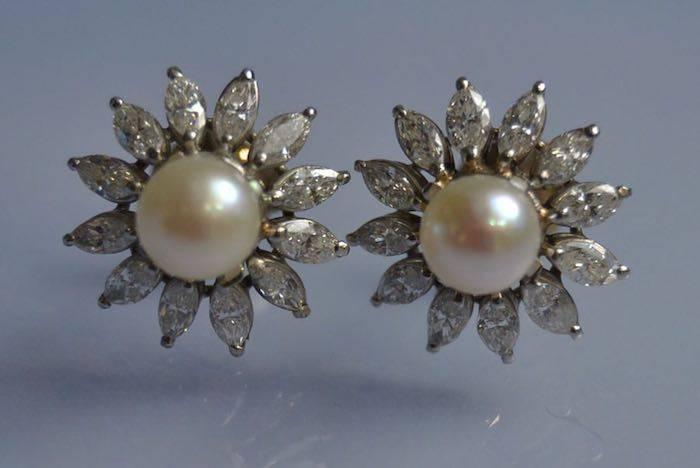 Boucles d'oreilles perles de culture et diamants sur or