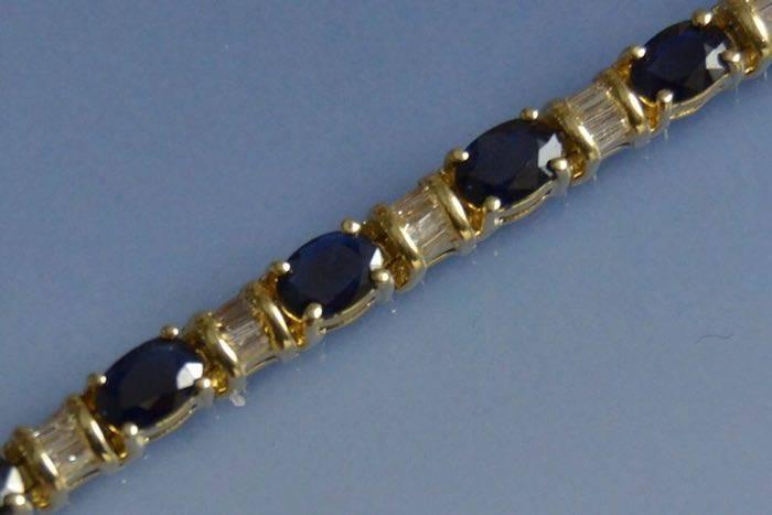 Bracelet saphirs et diamants en or jaune 18k