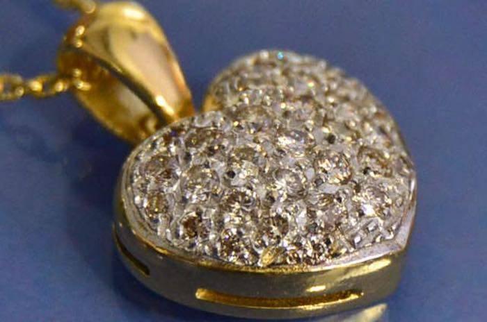 Collier coeur pavage de diamants