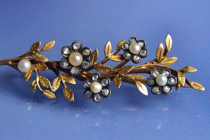 Broche 1900 motifs fleurs roses de diamants et perles fines