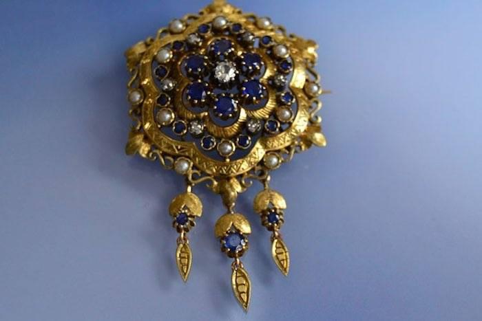 Broche Napoléon III diamants, saphirs et perles fines