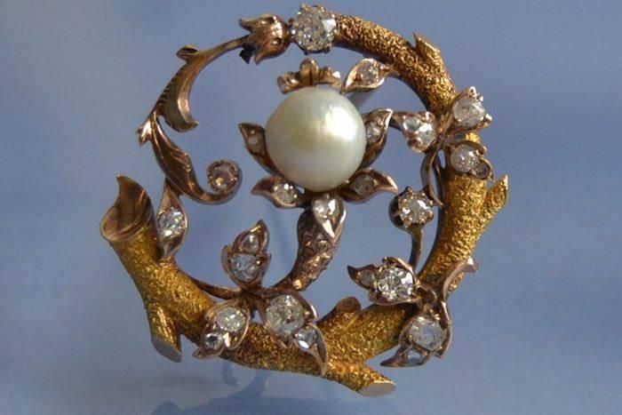 Broche Art nouveau sertie de perle fines et de diamants
