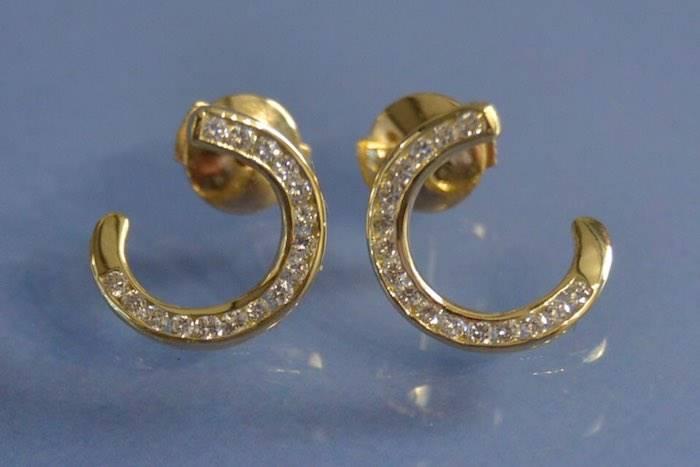 Boucles d'oreilles spirale en or et diamants
