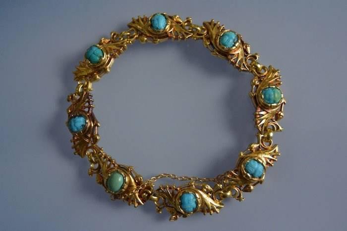 Bracelet Art Nouveau en or serti de turquoises