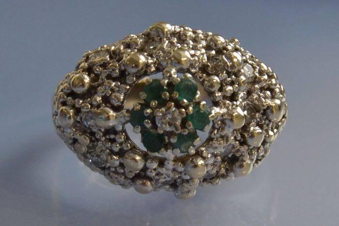 Bague boule 1950 émeraude et diamants