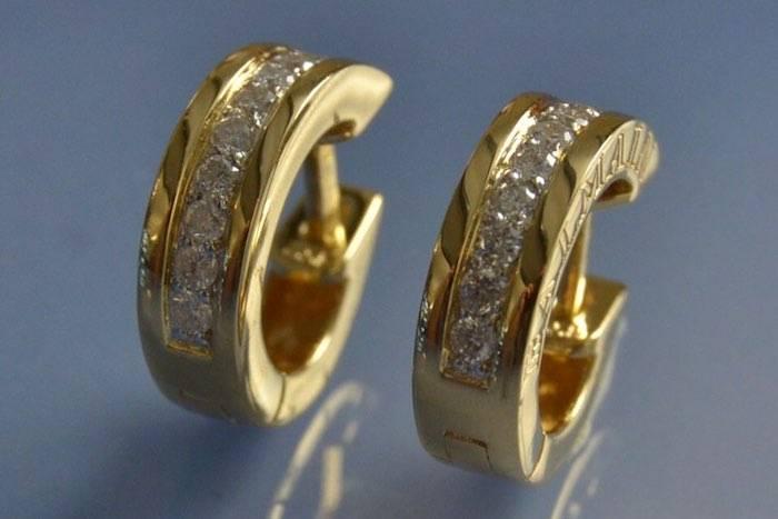 Boucles d'oreilles créoles or jaune 18k et diamants