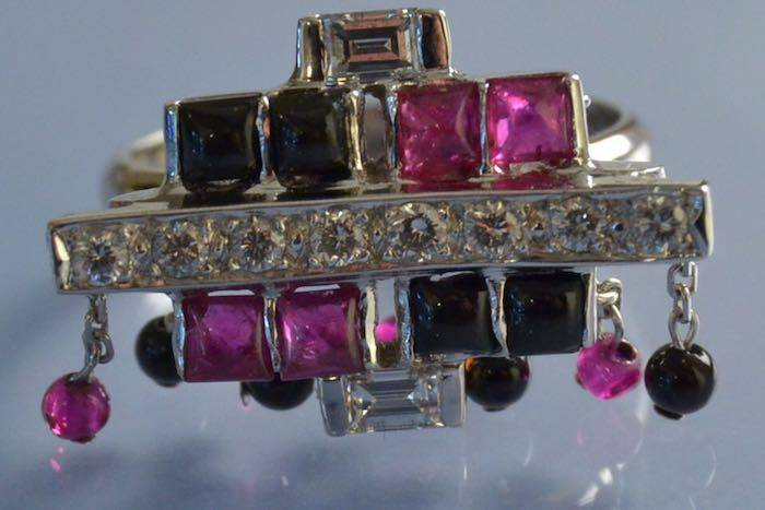 Bague diamants, rubis, onyx