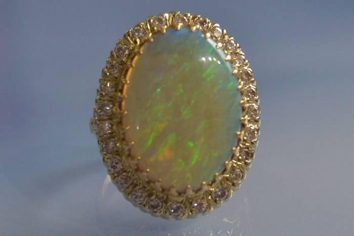 Bague années 50 opale et diamants