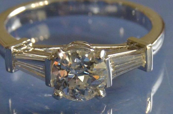 Bague diamants trapèzes