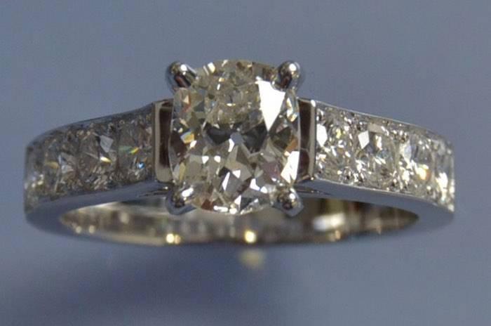 Bague solitaire diamant d'occasion