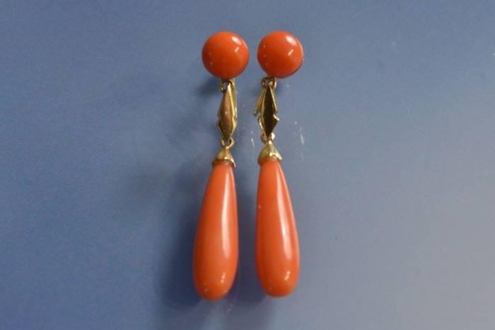 Boucles d'oreilles corail 1930