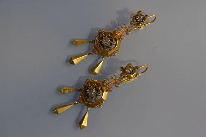 Boucles d'oreilles Art Nouveau or et diamants