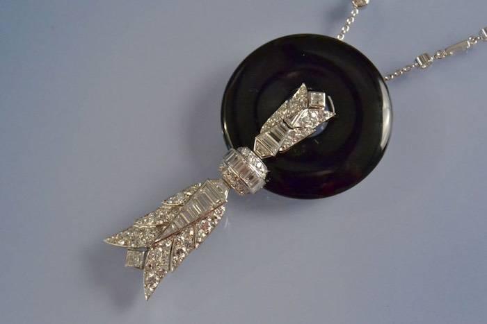 Collier platine, onyx et diamants