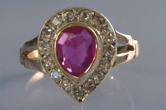 Bague années 60 rubis et diamants