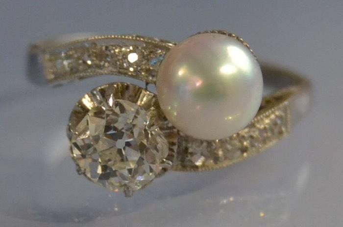 Bague ancienne toi et moi perle et diamants