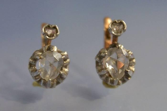 Boucles d'oreilles dormeuses or blanc et diamants