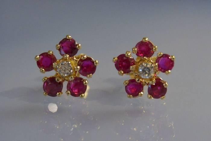 Boucles d'oreilles fleurs de rubis
