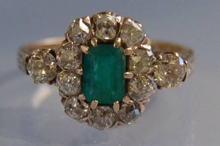 Bague 1900 émeraude et diamants