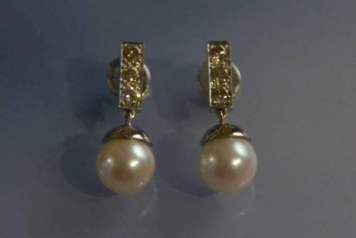 Boucles d'oreilles perles d'eau douce et diamants