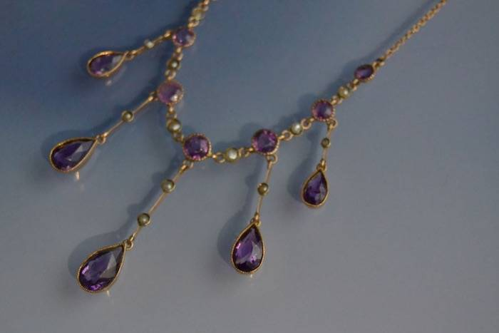 Collier 1900 améthystes et perles