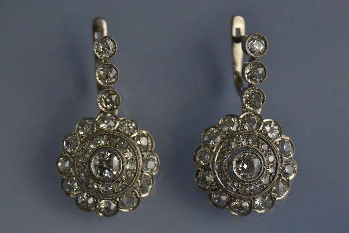 Boucles d'oreilles or blanc et diamants