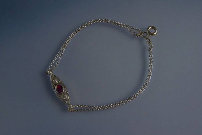 Bracelet Art déco serti de diamants et rubis