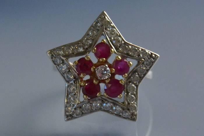 Bague étoile rubis et diamants