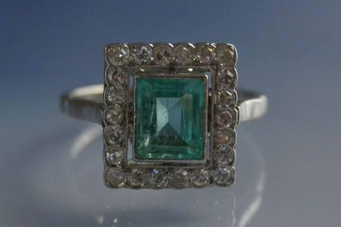 Bague 1930 émeraude et diamants