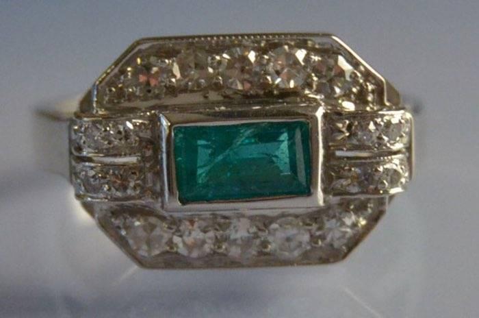 Bague ancienne diamants et émeraude
